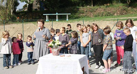 tricot-inauguration et benediction de l'ecole privee-la selle en luitre